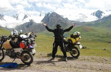 Tien Shan Kirgizja na motocyklu