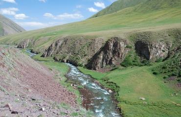 Kirgistan góry Tien Shan motocykle, quady, UTV
