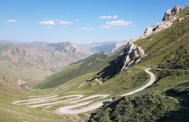 Wyprawy na motorach - hiszpania, gruzja, tadzykistan, kazachstan kirgistan, wyprawy autami terenowymi dla rodzin
