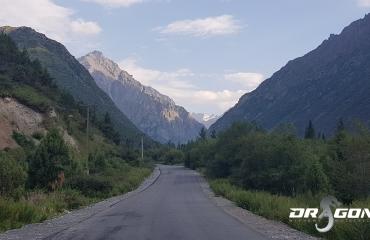 Podróze motocyklowe Kirgistan Azja pamir silk road kyrgyzstan