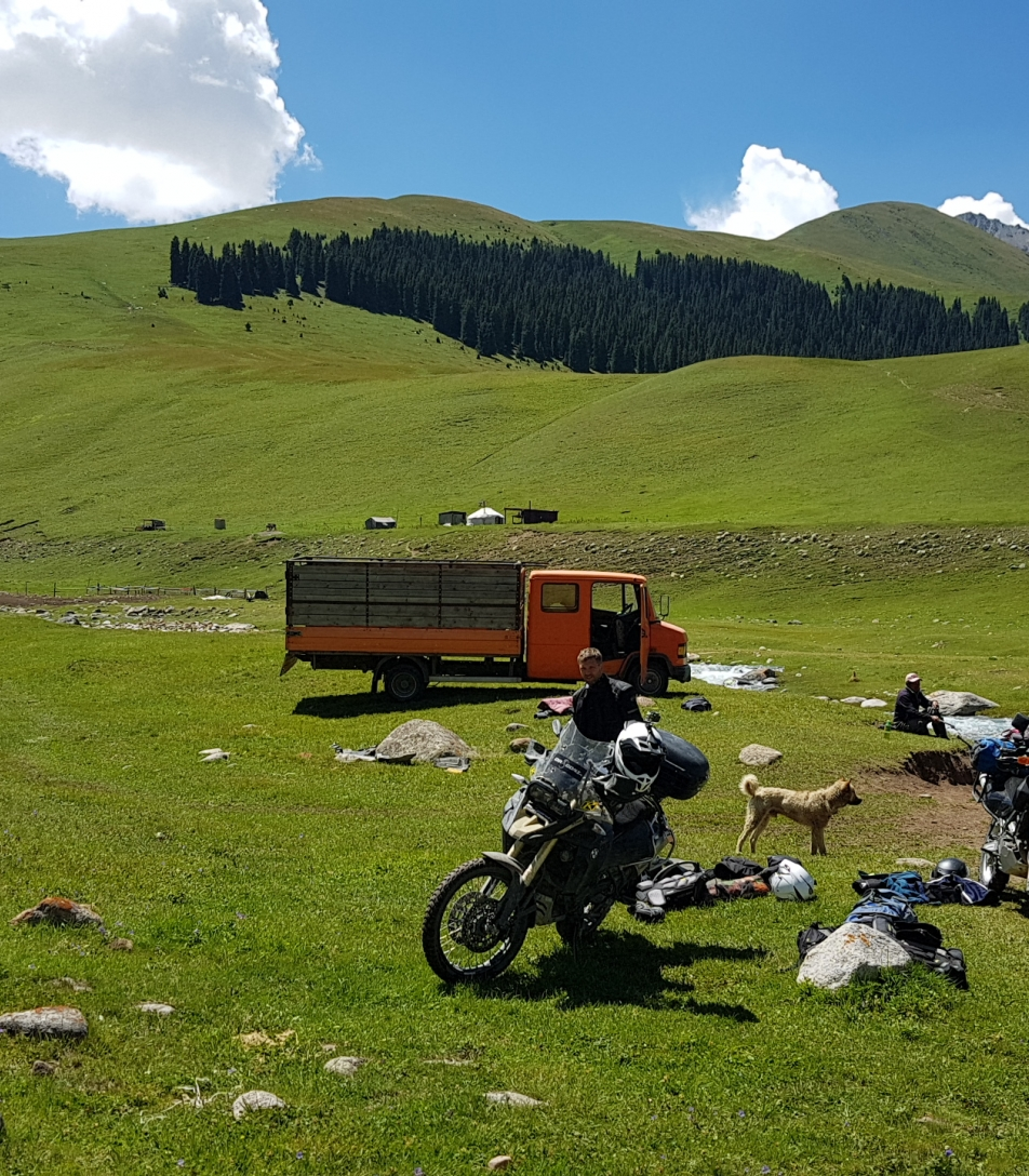 Pamir silk road Podróze motocyklowe Kirgistan Azja pamir silk road kyrgyzstan