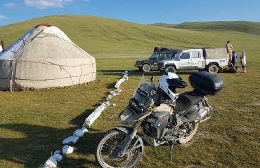 Wyprawy na motocyklach - hiszpania, gruzja, tadzykistan, kazachstan kirgistan, wyprawy autami terenowymi dla rodzin