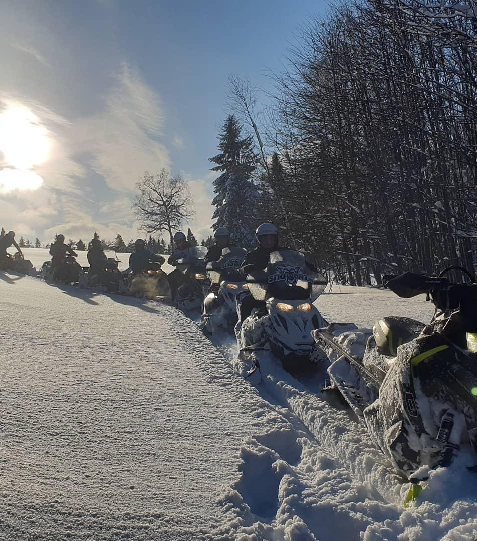 skutery śnieżne karpaty, snowmobiles, snowmobile tours, snezne skutry, romania, rumunia, zimowe atrakcje, wyprawy na skuterach śnieżnych, skutery śnieżne
