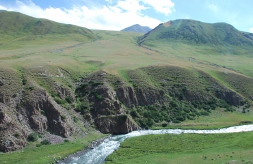 Kyrgyz motorbike trip, kirgistan quad expeditions