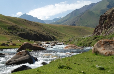 Beautiful routes in Kigistan, 4x4 expedition, quad kyrgyz expeditions