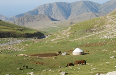 Off road Kyrgyzstan, 4x4 expedition, UTV Kyrgyzstan rent