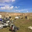 Kirgizja 2013 Piękne góry i stada koni i baranów na trasie