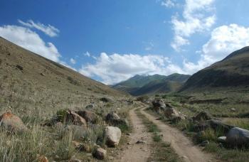 Kirgizja 4x4 - wyprawa samochodami terenowymi LIPIEC 2018