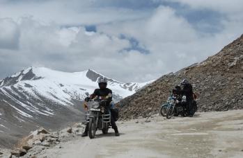 Manali - Leh najwyższe przełęcze. Wyprawa w Himalaje na motocyklu